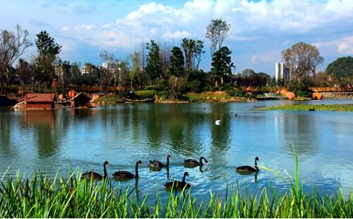花溪国家城市湿地公园_贵州旅游最佳路线推荐