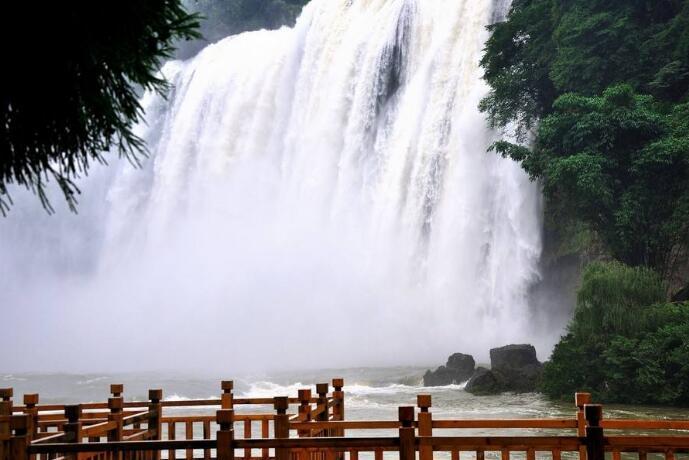 夜郎传说-黄果树大瀑布、荔波大小七孔、西江千